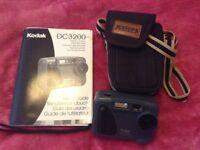 Kodak DC3200 Manual and Case