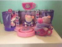 Tea cup piggy toys