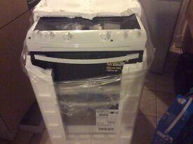 Zannusi ceramic cooker brand new boxed 60 cm wide