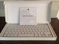 Apple Wireless Keyboard with built in Bluetooth Technology MC184B/B (model A1314)