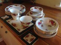 Vintage Crockery Dinner Set 39 Pieces (2)
