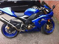 Kawasaki zx10r in blue