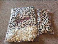 Lipsy woolen scarf & glove set. Brand new