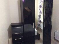 Bedroom wardrobe set