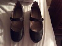 As New. Clarks ladies shoes, small size 5