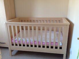 Mamas and Papas premium 3 piece nursery set with extras