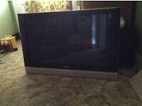 "PANASONIC 37"" Plasma TV plus VOLGEL WALL PLATE"