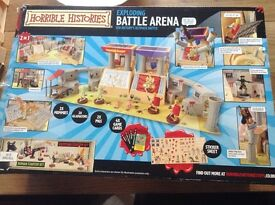 Horrible Histories Battle Arena with 60+ Figures Small storage box/playmat