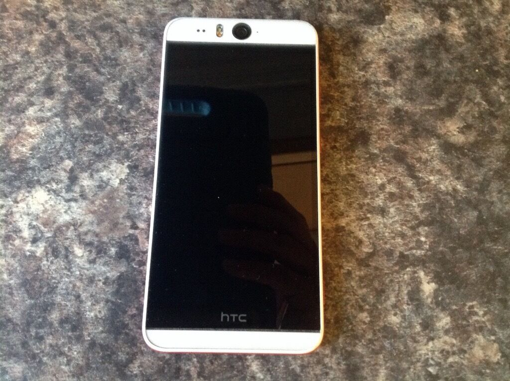 Htc desire eye white and red perfect conditionin Longfield, KentGumtree - Htc desire eye 16 gig comes with 64 gig memory card already installed perfect condition everything works perfectly well. Used on three network but phone is open to all networks very small Nick on top of phone as per photo comes with all leads.....