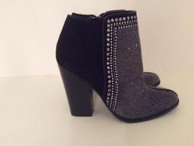 BN Kurt Geiger Carvela Boots size 5