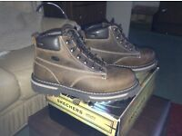 NEW MENS SKETCHERS BOOTS SIZE 10