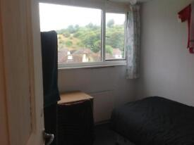 Single room available In a friendly student house near Brighton & Sussex universities