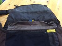 Men's 15inch Belkin Messenger Bag