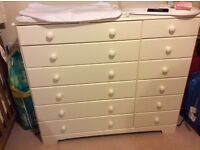 Almost new White chest of drawers 6+6, only 4 months old