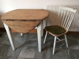 Shabby Chic Oak Topped Drop-Leaf Dining Table & Chairs