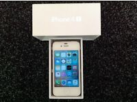 iphone 4S 16 GB white £45 ((07451054192))