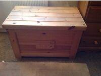 Pine toy box/ blanketbox