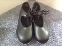 Tap shoes size 4 Carpezio