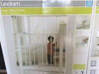 Lindam Pressure fit Child safety gates