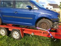 VW Touran breaking for spares 2004