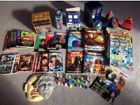 Huge bundle of Dr Who books with extra's