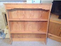 Pine book shelf (Old Creamery)