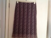 DOROTHY PERKINS SKIRT SIZE 12. EXCELLENT CONDITION.