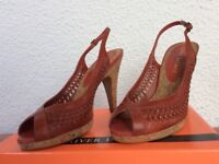 New shoes ladies all details as photos size 5 with replacement heel tips.