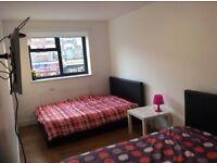 2 triple or twin/double rooms 3-5 min Bethnal Green,Liverpool Street stn,Old Street,Whitechapel
