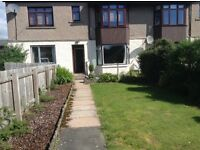 One bedroom ground floor flat for rent in Banchory. Gardens front and rear plus garage.