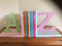 A and Z decorative wooden bookends for children