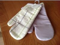 Next oven gloves with tags