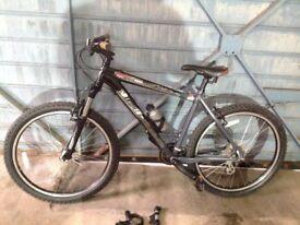Specialised Hard Rock Sport adult mountain bike MTB 24 speed 19'' frame