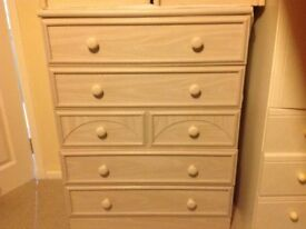 Chest of drawers £55