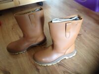 Furr lined Safety Boots Size 8