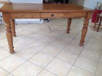 Immaculate dining table £80
