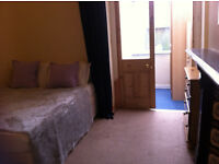 Large bedroom plus small conservatory - next to Roath recreation park ALL BILLS inc