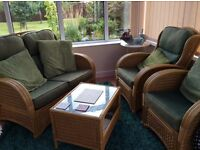 Conservatory 2seater sofa &2chairs &2 coffee tables