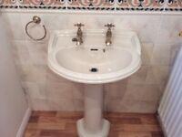 Heritage bathroom suite