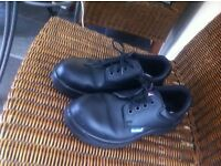 Steel toe cap shoes size 5