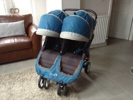 Baby jogger city mini double in teal.