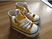 Infant Converse baseball boots size 3 mustard