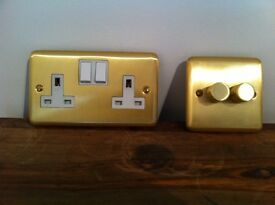 13A 2 gang double brushed brass switched sockets.
