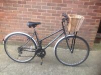 Ladies Town Bike 18 Speed with Wicker Basket