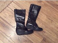 Fly London YULE Patent Boots Size 5