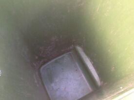 Recycling green bin
