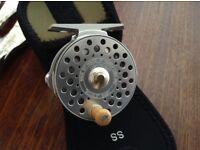 Oris baby bougle fly reel mint / case