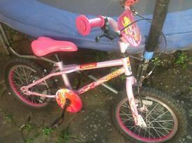 """Girls Roxie bike 16"""" wheels"""