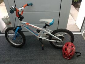 Merida Matts J16 childs bike with helmet
