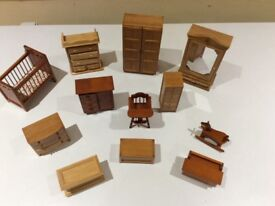 Doll's house figures, furniture & accessories